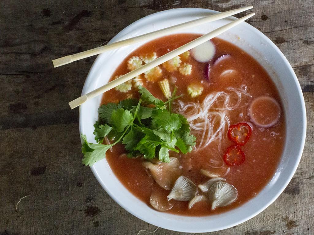 Vegane Tom Yum Suppe.