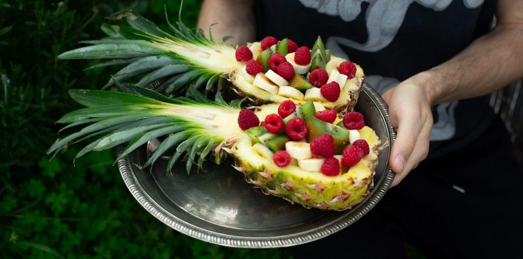 Rohkost Rezepte und vegane Rezepte mit der Ananas. Ananas aussuchen, Ananas schneiden, Ananas lagern und Ananas züchten.
