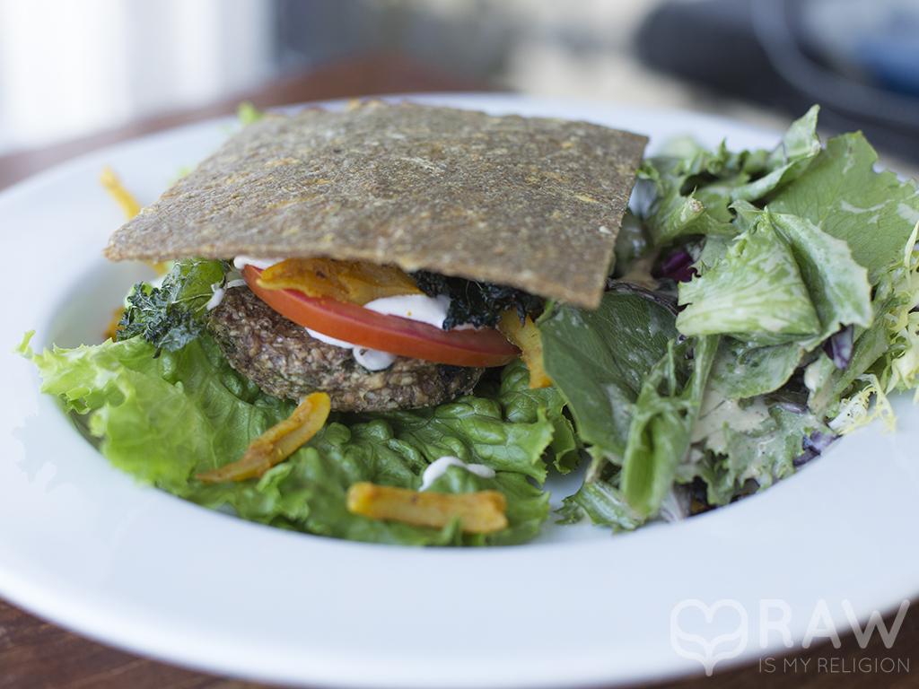 Raw vegan Bacon Burger - Rawvolution