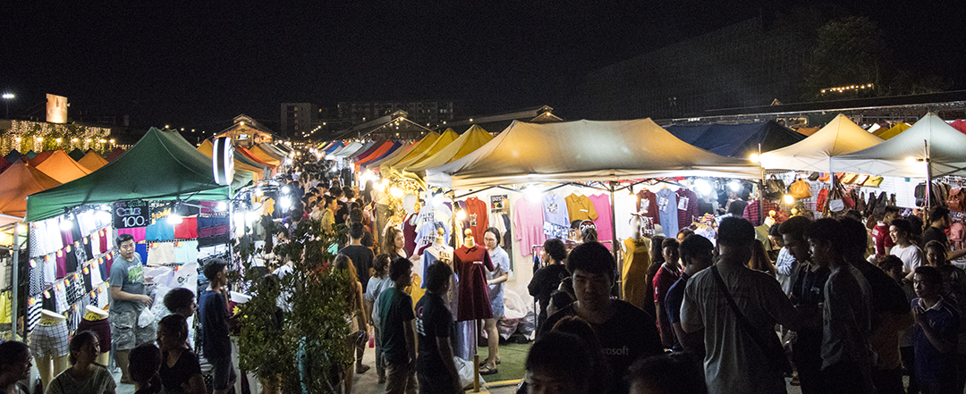 Bangkok Rot Fai Train Night Market