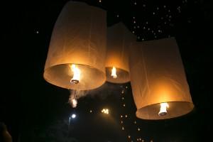 Flying lanterns Loy Krathong and Yee Peng in chiang mai