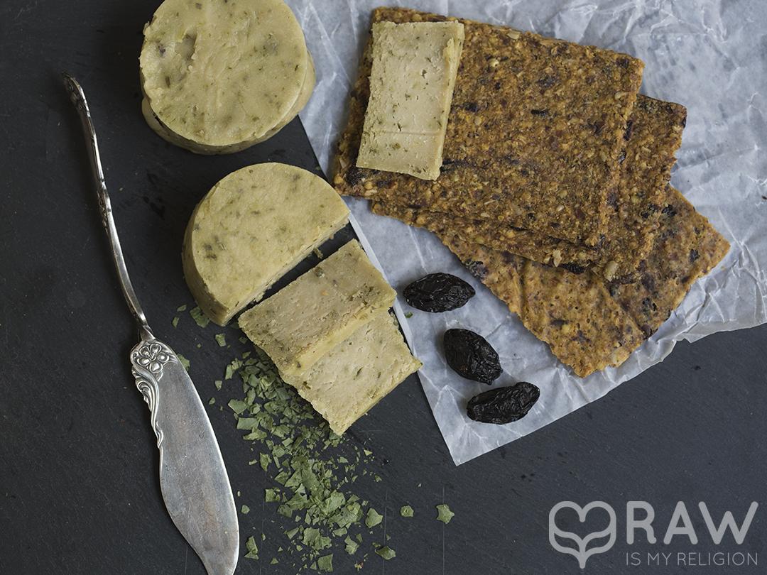 Happy cheeze aufgeschnitten bälauch veganer käse
