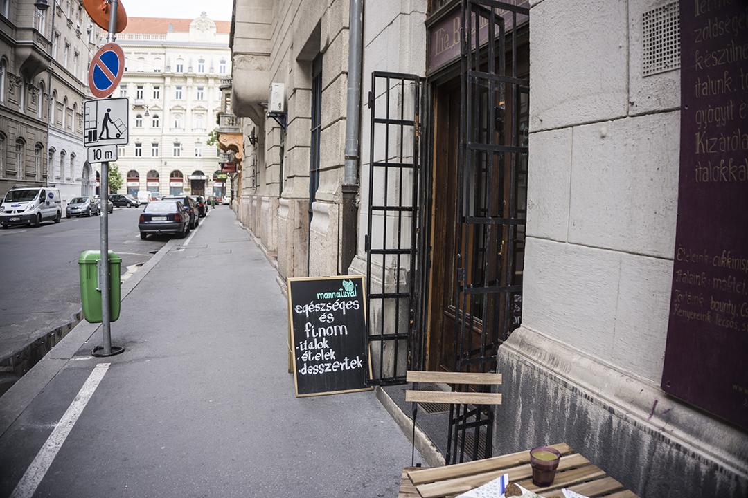 Mannatural Etelmanufaktura Mannatural Ételmanufaktúra restaurant raw vegan Budapest, Hungary