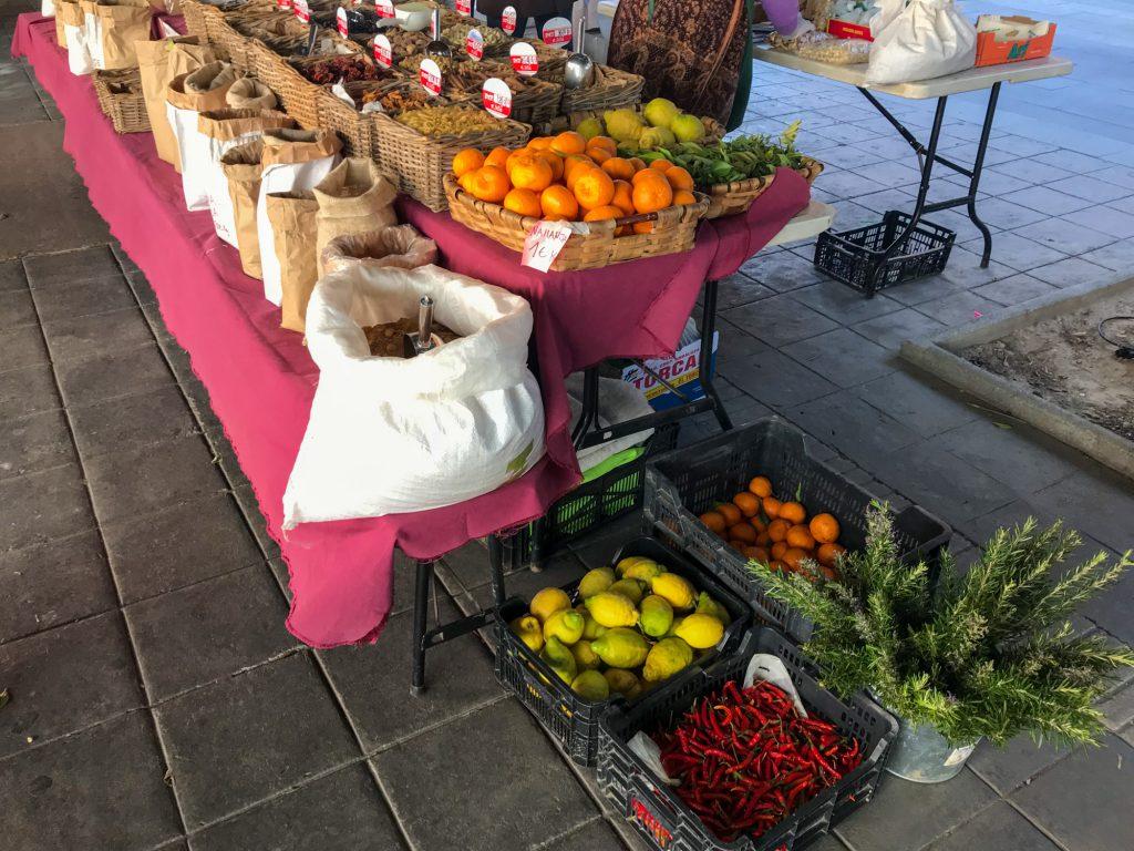 Bio Obst Bio Gemüse in Malaga kaufen. Mercado Ecológico de la Malagueta.
