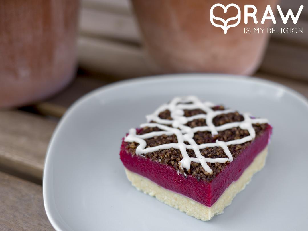Raw vegan Raspberry Tart Gracias madre Raw Food Hamburg