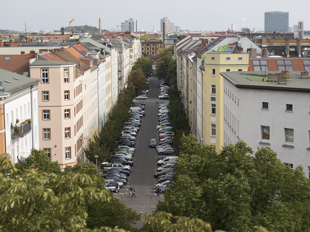 Zionkirche Berlin Turm Autos Strasse