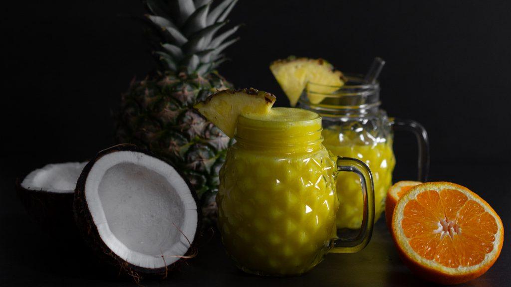 Ananas in der Rohkost.