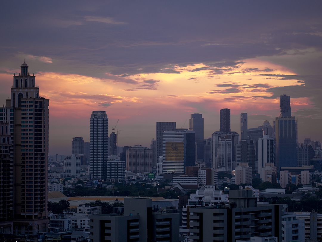 bangkok by night red sky