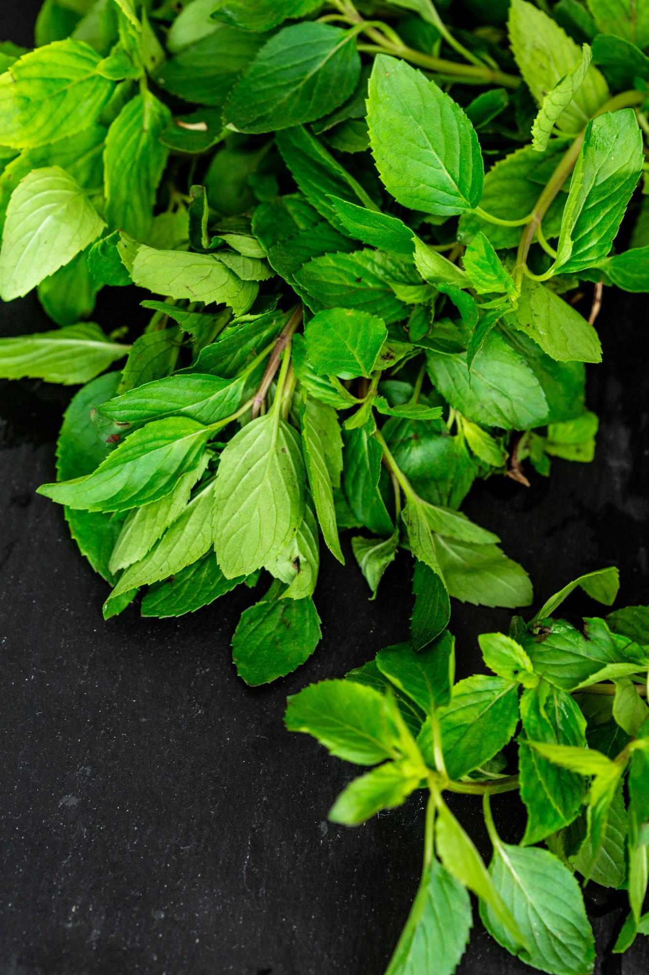 Raw vegan recipes with organic mint.