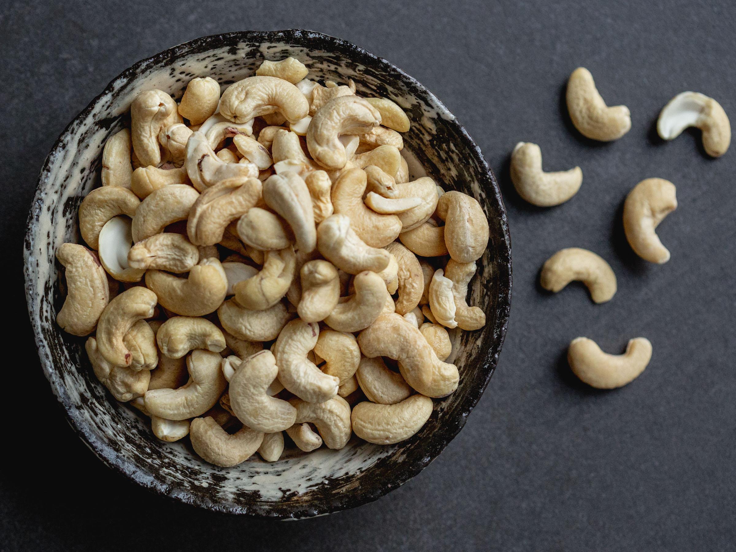 raw organic cashews