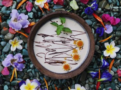 chocolate bowl bali raw vegan white chocolate