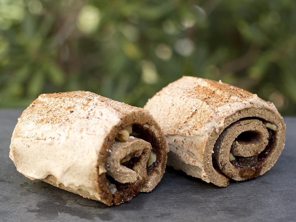 Raw vegan cinnamon roll - Rawvolution raw vegan