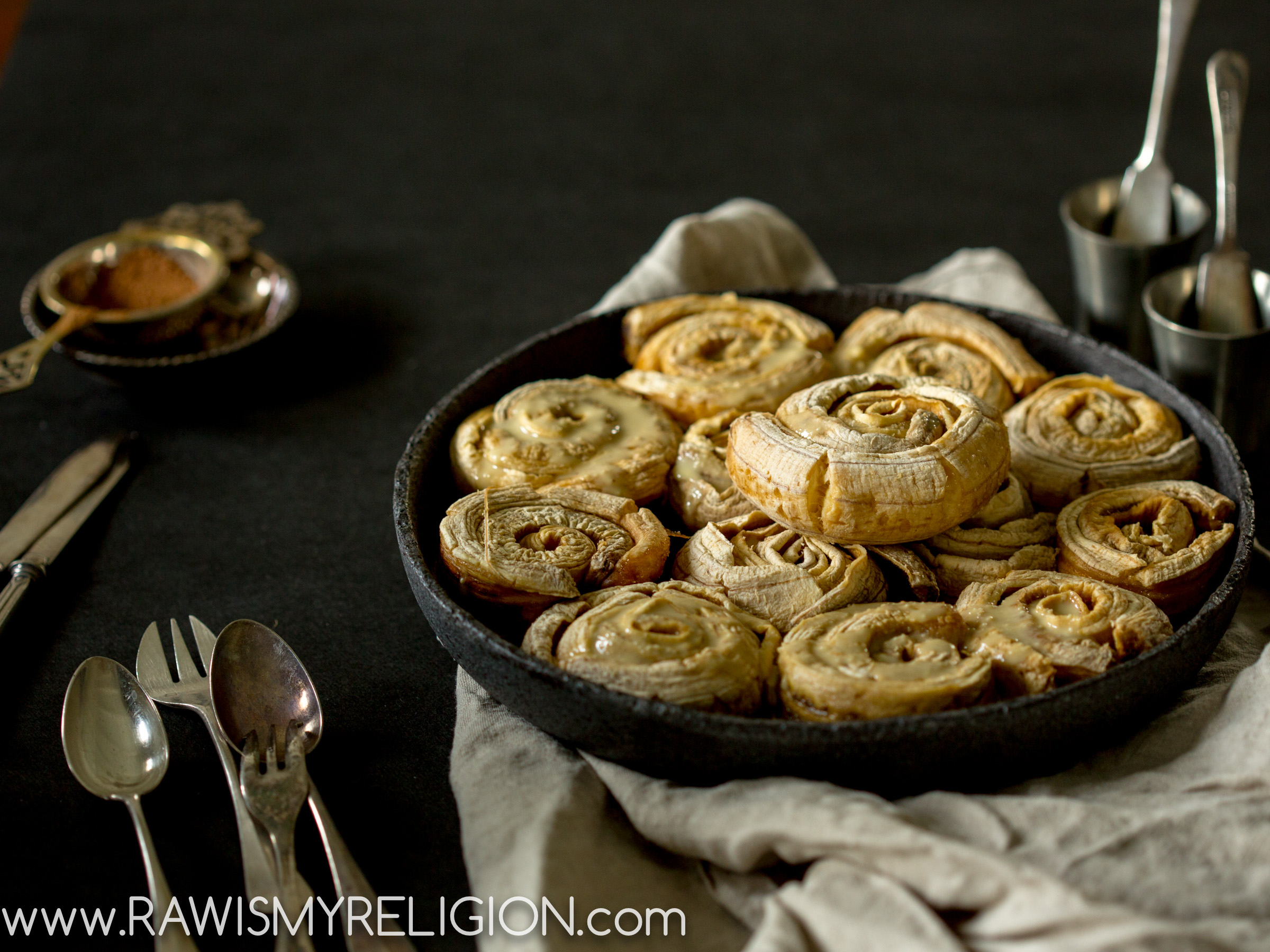 Vegan Cinnamon Rolls 3 ingredients