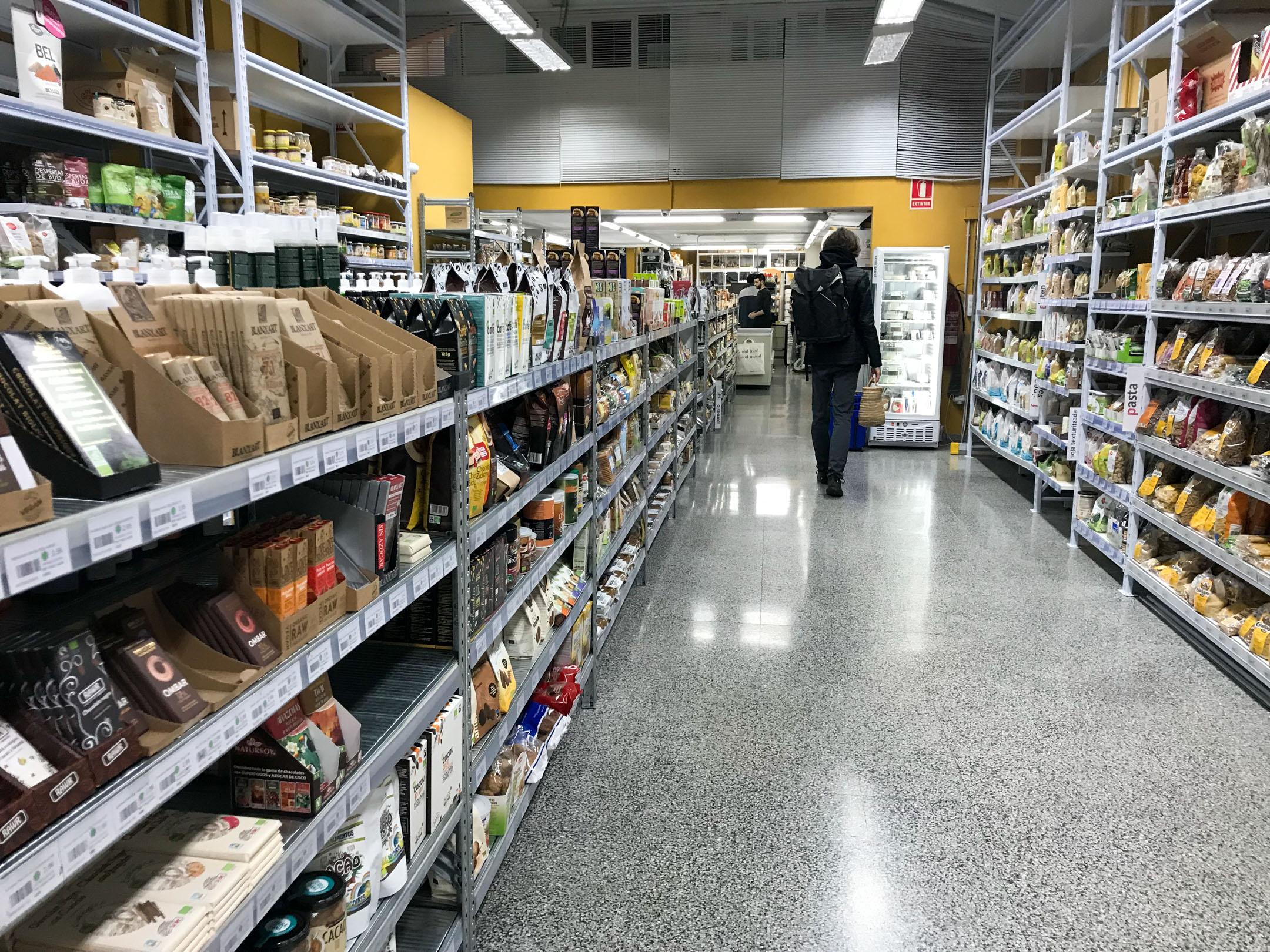 Vegan in Barcelona Ecocentre Supermercado Vegano.