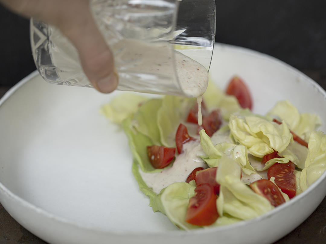 falafel salad dressing raw vegan