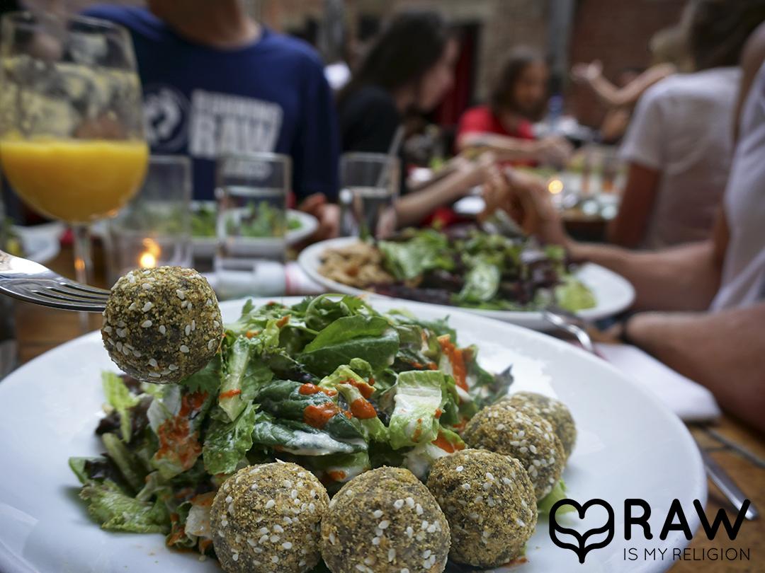 falafel salad plate pure food and wine nyc raw vegan