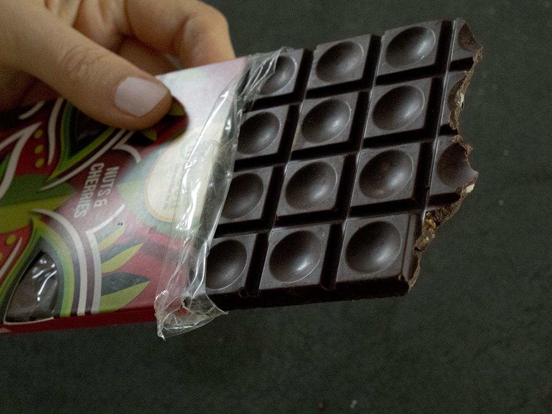 lifefood nuts cheries chocolate bar raw food