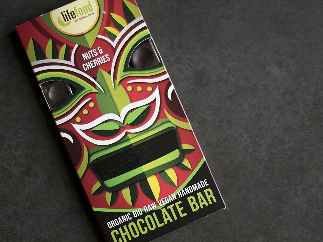 lifefood nuts cheries chocolate bar
