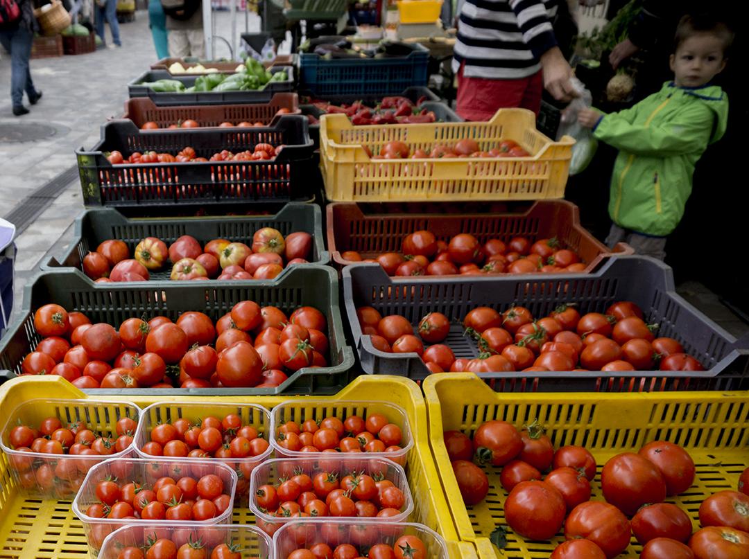 mom park organic market budapest tomatoes produce organic