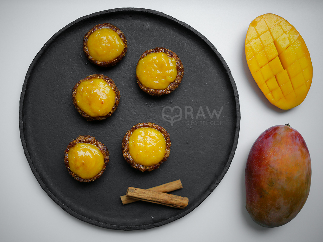 more raw food mango vegan tarts figs