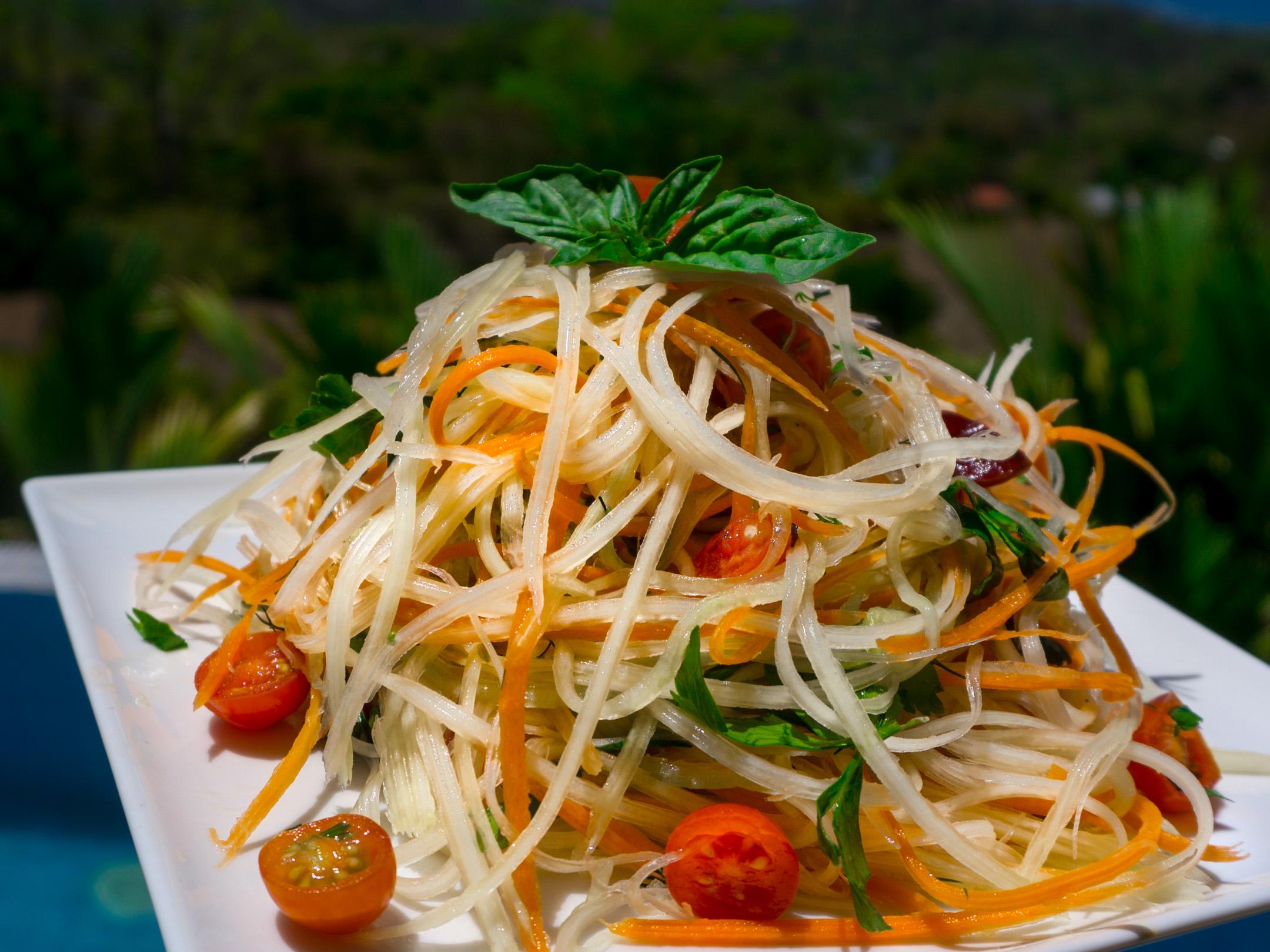 Papayasalat rohkost und vegan aus Costa Rica mit Sauerkraut.