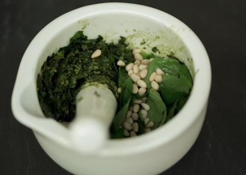 pesto basil pine nuts vegan homemade