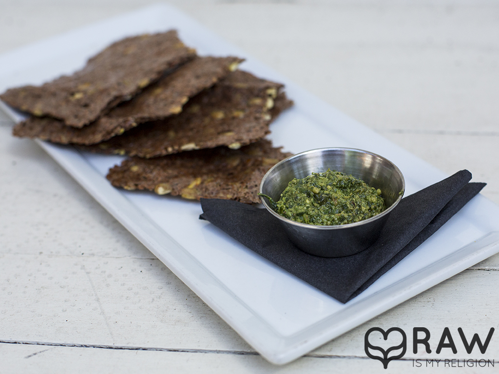 pesto crackers raw vegan suncafe