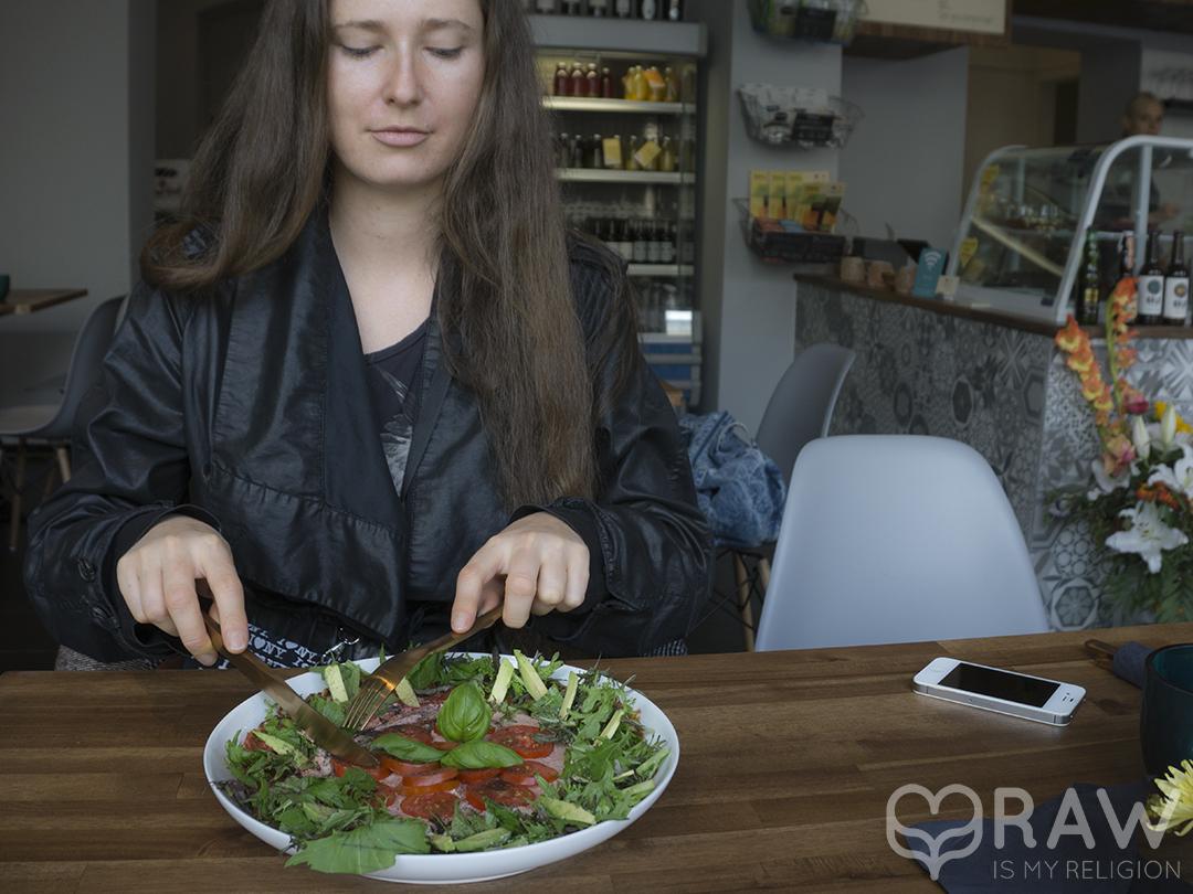 pizza rawastic berlin raw vegan restaurant