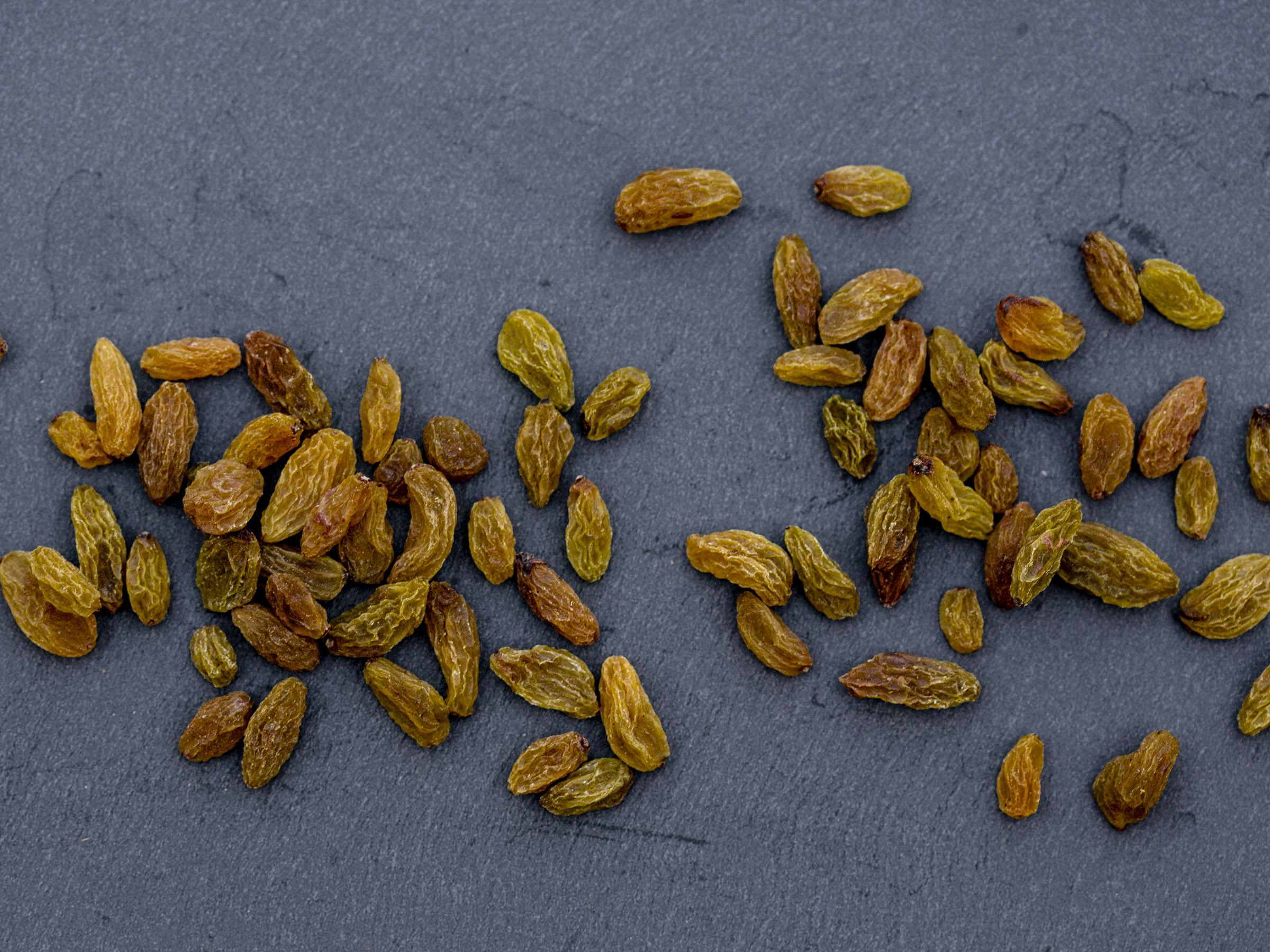 raw raisins and sultanas oil free organic
