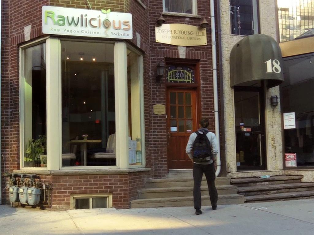 Rawlicious raw restaurant toronto