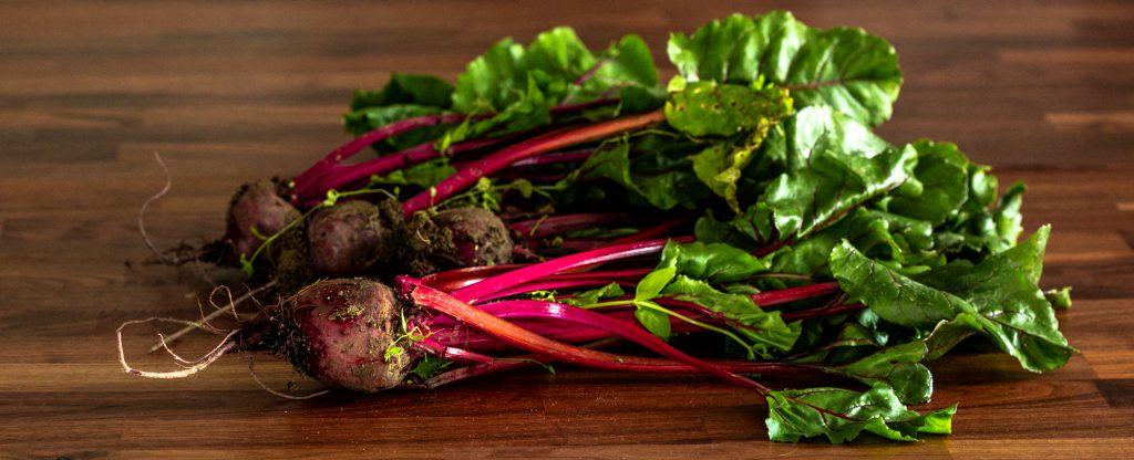 Rohkost und vegane Rezepte mit bio Roter Bete.