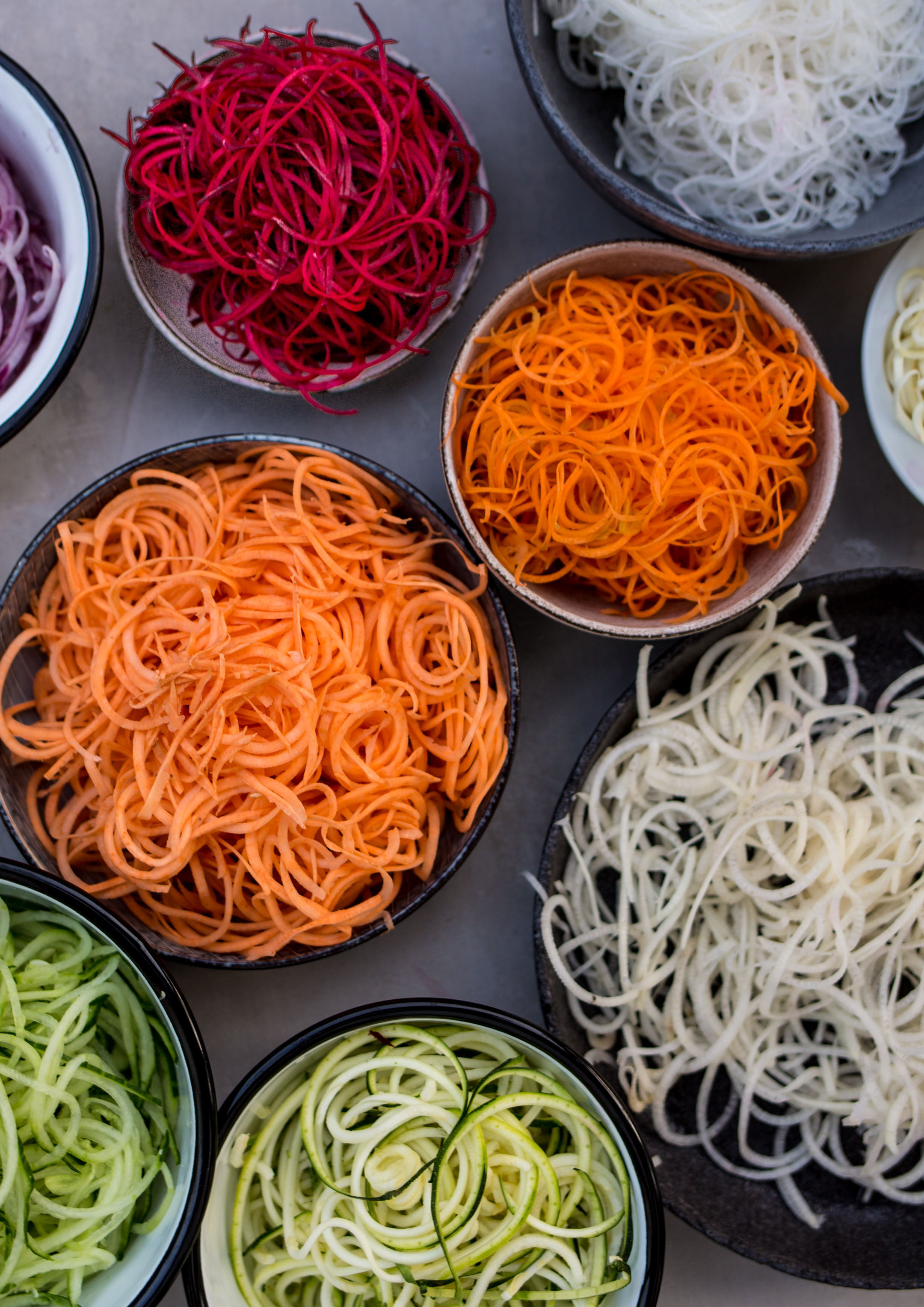 spiralizer raw vegan noodles
