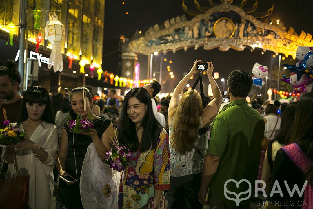thai girls Festival of light Loi Krathong and Yi Peng in Chiang Mai