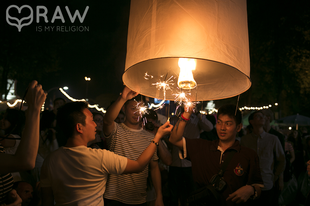 thai people Festival of light Loi Krathong and Yi Peng in Chiang Mai